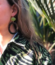 De Gooische oorbel - Fien en Pauline oorbellen - Wood & green