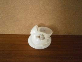 Set Espresso kopjes en schotels. Arcopal.  Dessin: Margriet.