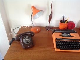 Mijn vintage jaren 70 werkplek.