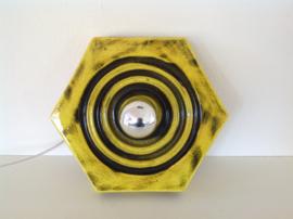 Wandlamp. Gele keramiek. 70's.