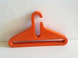 Kledinghangers. Oranje. 70's.
