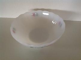 Arcopal. Schaal met schulprand. 23 cm.