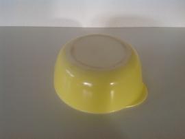 Arcopal. Pastel geel. Schaal. 20 cm.