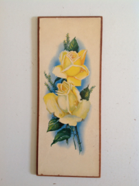 Wanddecoratie. Gele rozen.