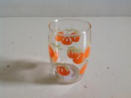 Glazen. 70-er jaren.  Oranje bessen.
