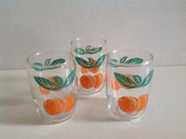 Glazen. 70-er jaren.  Oranje citrusfruit.