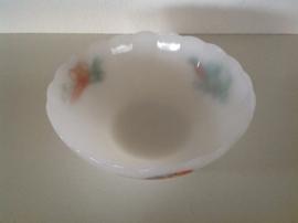 Arcopal. Ronde schaal schulprand 23 cm. Dessin Groenten.