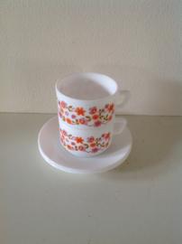 Arcopal café latte kop en schotel/soepkom. Dessin: Scania.