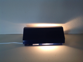Bed- leeslampje. Egaal blauw. Retro.