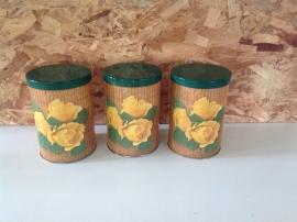 Set van 3 Tomado blikken. Gele roos.