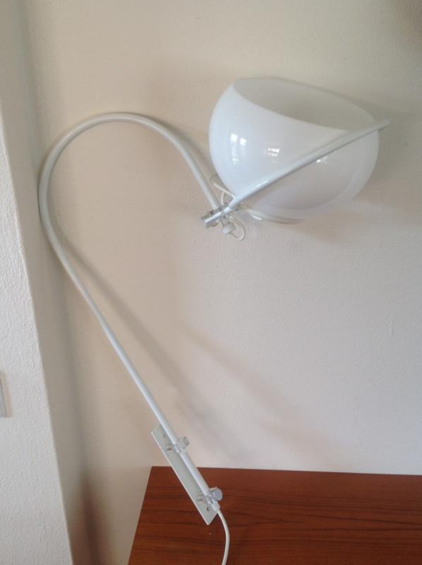 Wandlamp. GEPO. Wit. 70's.