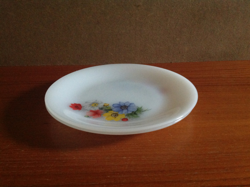 Platte borden. Arcopal.