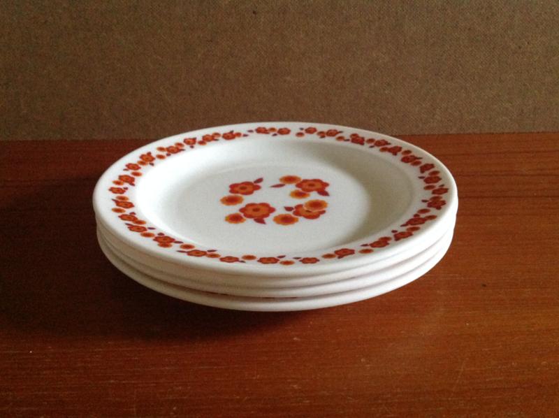 Arcopal plat ontbijtbord. Lotus.