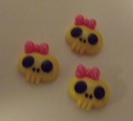 Ladyscull Yellow  1,8 mm x 1,8 mm  (per stuk)