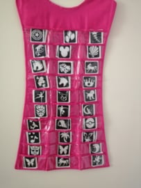 Sjablonen presentatie Jurk roze 70 cm lengte gevuld met 90 sjablonen