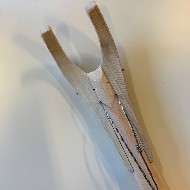 Grenen gaffel compleet met spruit en houten gaffelklauwen