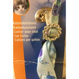 Nobby stoffen kattenhalsband met hartje en siergesp