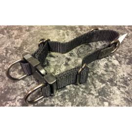 I.P.T.S nylon anti trek halsband zwart