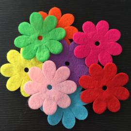 50 Gekleurde Vilten Bloemen 35mm