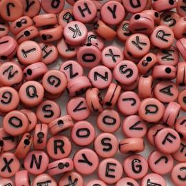 Mix van 100 Roze Ronde Platte Letter Kralen 7mm