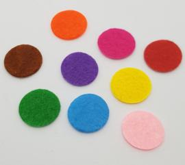 Mix van 100 Gekleurde Vilten Rondjes 15mm