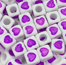 50 Vierkante Kralen met Hartje Paars 7mm