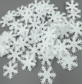 50 Witte Sneeuwvlokken van vilt 3 cm