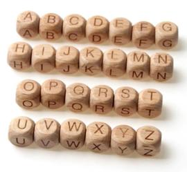 Vierkante Beukenhouten Letter Kralen 12 mm