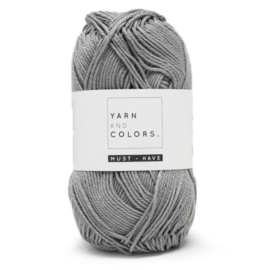 YARN AND COLORS MUST-HAVE 096 SHARK GREY