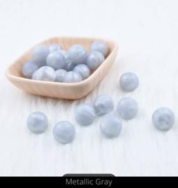 Siliconen kraal 12 mm metallic licht blauw
