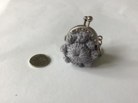 Portemonneetje met Zeeuwse knop