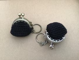 Klein portemonneetje met sleutelhanger