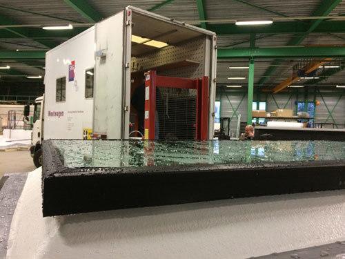vlak glazen daklicht ClearSky nadat keurmerkinstituut SKG een geslaagde waterdichtheidsproef heeft afgenomen.