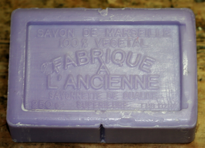 16 Marseille soap pieces lavender 250g a piece