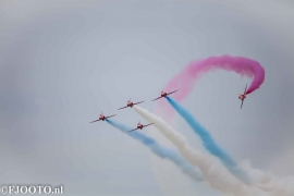Red Arrows (1) (Canvas 2cm)