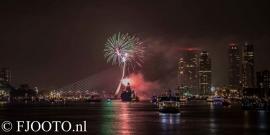 Rotterdam erasmusbrug  vuurwerk 1 (Dibond)