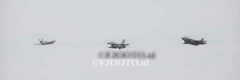 Spitfire - F-16 - JSF (1) (Canvas 2cm)