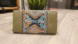 Portemonnee - groen met geborduurde print