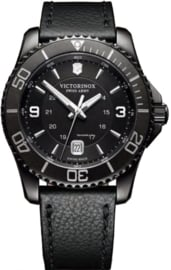 Victorinox Maverick Black Edition 43 mm