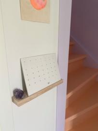 Kalender met wandplankje