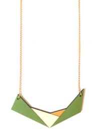 Geometrische halsketting mosgroen-goud- natuurkleur