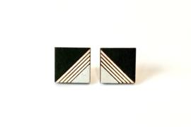 Vierkante oorstekers met gravure - zwart-zilver