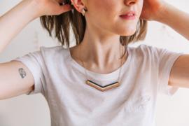 Geometrische halsketting zwart- natuurkleur- rosé goud