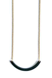 Halsketting boogje - zwart met goudkleurige ketting