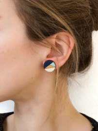 Ronde oorstekers donkerblauw- goud- munt- natuurkleur (17 mm)