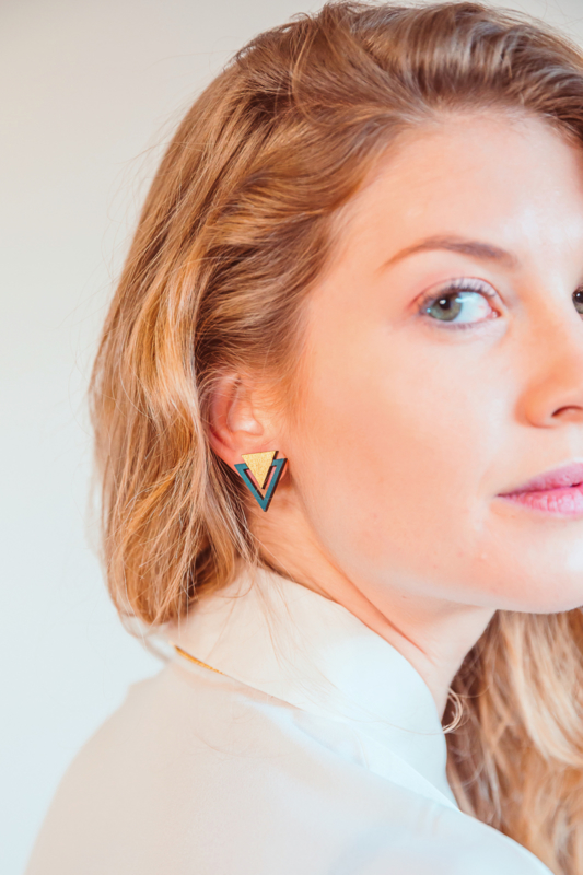 Driehoekige oorstekers goud- donkergroen