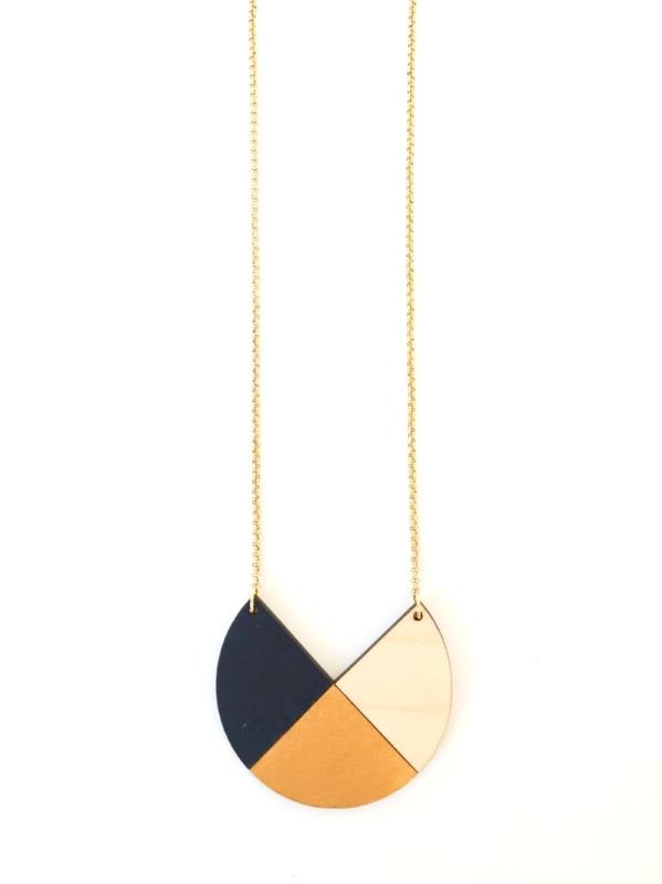Dubbelzijdige halsketting donkerblauw- goud- natuurkleur