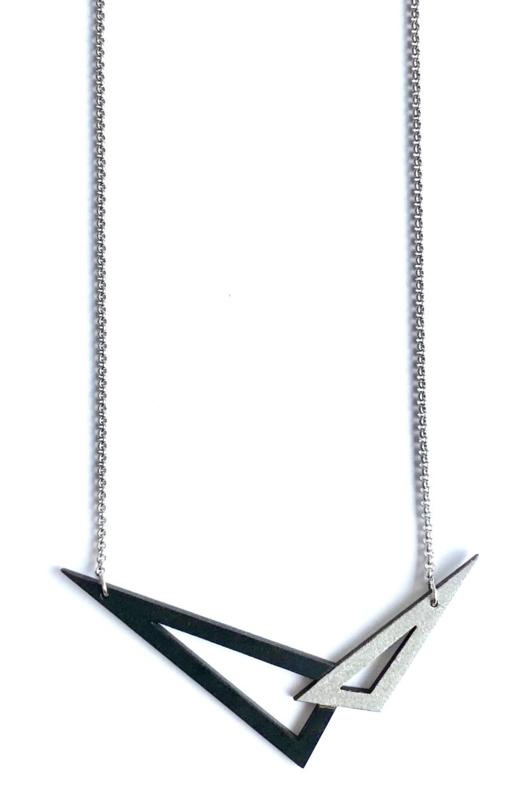 Dubbelzijdige, geometrische halsketting - zwart-zilver