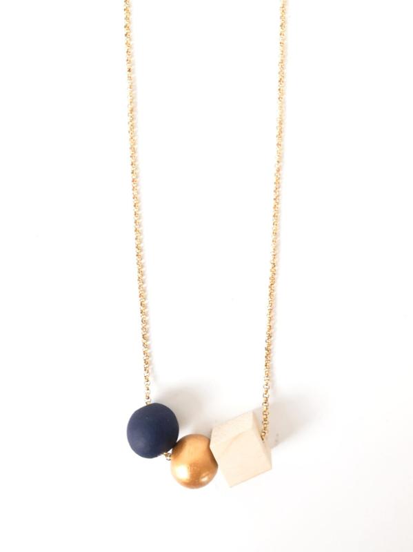 Kralenketting donkerblauw- goud- natuurkleur