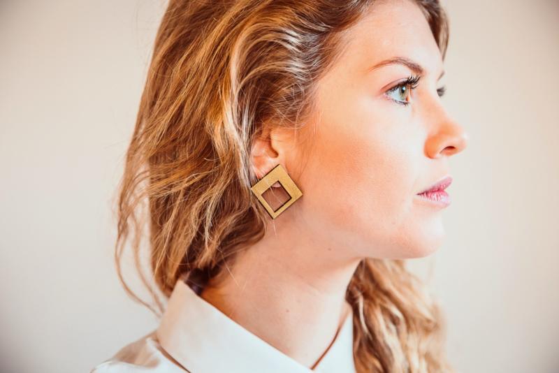 Vierkante oorstekers goud